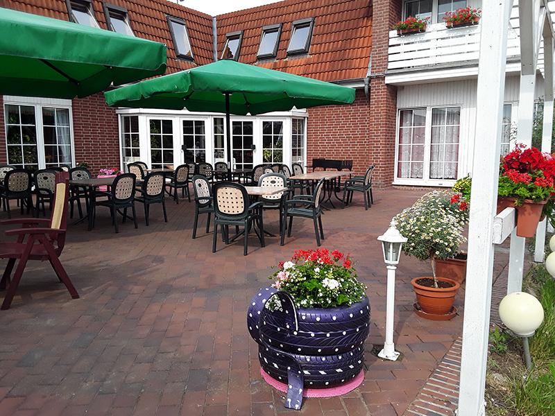 Terrasse Hotel Sembziner Hof in Klink